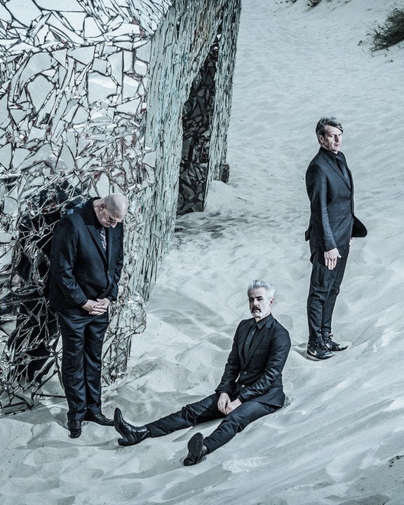 Triggerfinger + Black box revelation